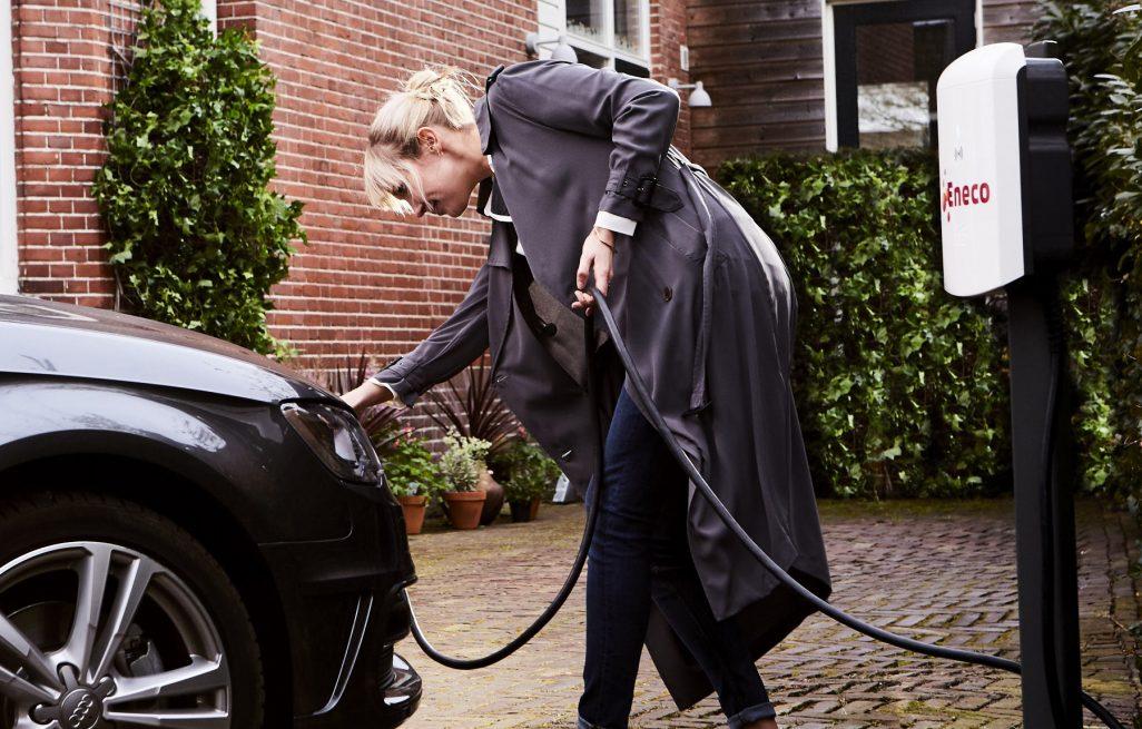 Wereldprimeur: <br> slim laden van <br> elektrische auto's